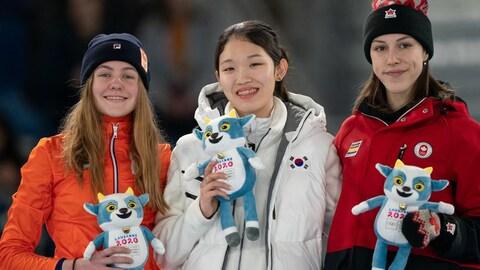 Les trois patineuses sur le podium au 500 m