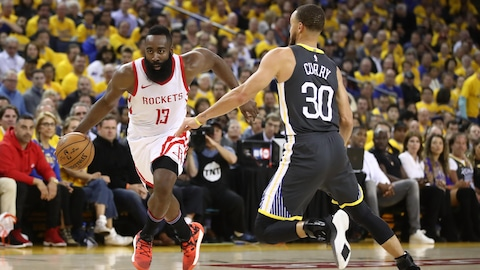 James Harden (gauche) et Stephen Curry