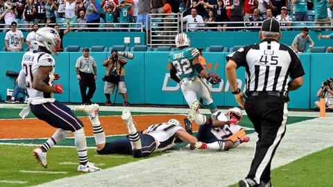 Kenyan Drake donne la victoire aux Dolphins de Miami sur le tout dernier jeu du match.
