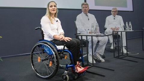 Kristina Vogel parle à la presse après son accident qui l'a laissée paraplégique