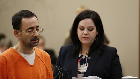 Larry Nassar et son avocate Shannon Smith