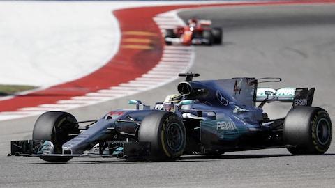 Lewis Hamilton devant Sebastian Vettel au Grand Prix des États-Unis à Austin