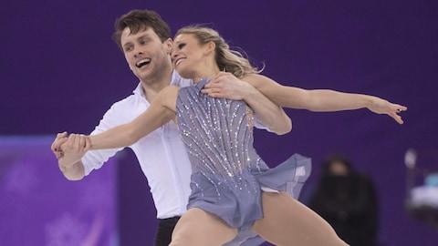 Michael Marinaro et Kristen Moore-Towers en action pendant les Jeux olympiques de Pyeongchang.