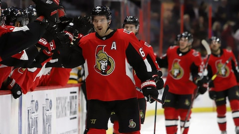 Mark Stone célèbre son but.