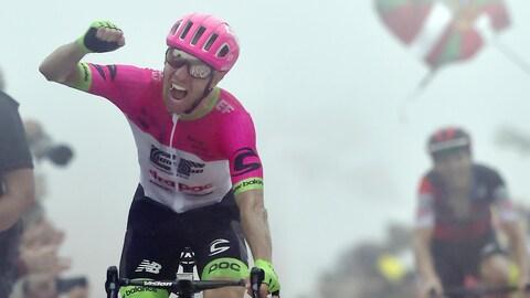 Le Canadien Michael Woods (EF Education First) a remporté mercredi la 17e étape du Tour d'Espagne au sommet du mont Oiz, au Pays basque.