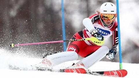 La skieuse canadienne Mollie Jepsen