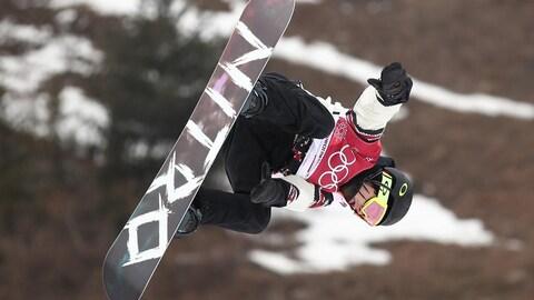 Sébastien Toutant dans un saut la tête en bas