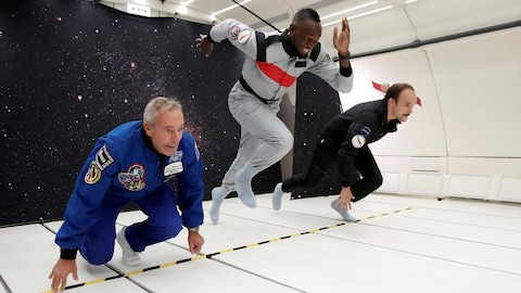Usain Bolt a participé à une course en apesanteur avec l'astronaute Jean-François Clervoy et le designer Octave de Gaulle au-dessus de Reims la semaine dernière.