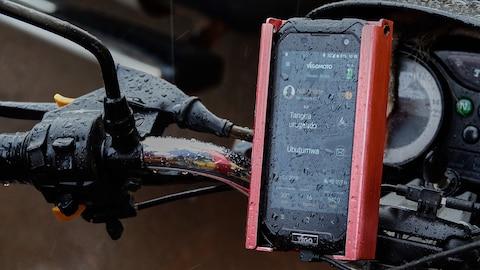 Un taximètre GPS, de la compagnie Yego Moto. Une application sur cellulaire.