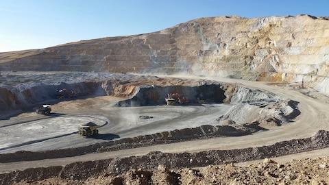 Mine de cuivre à ciel ouvert à Constancia, au Pérou