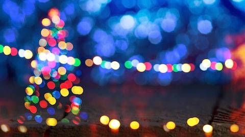 Il n'est jamais trop tôt pour décorer votre cour aux couleurs de Noël.