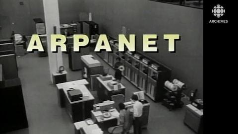 Salle d'ordinateurs du programme ARPAnet.