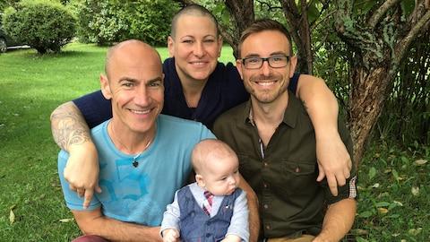 Kathleen Mathieu Bourassa est une amie de longue date de Ghislain Brière (à gauche) et Carl Caissy (à droite)