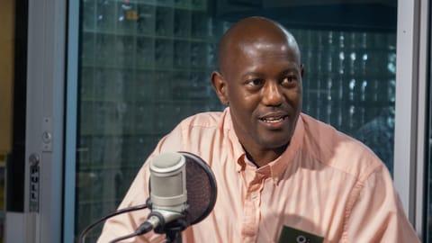 François Nzotungwanimana en studio