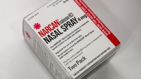 Un emballage de NARCAN, du naloxone en vaporisateur nasal.