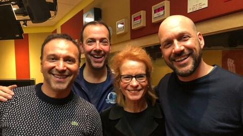 Joël Legendre, Pierre Brassard, Louise Richer et Martin Matte dans le studio de Pouvez-vous répéter la question?