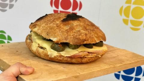 Un sandwich aux ingrédients 100 % ontariens