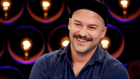Marc-André Grondin qui sourit