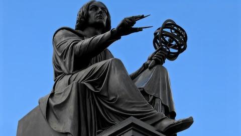 Une statue à son effigie
