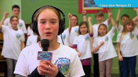 Les enfants chantent en classe