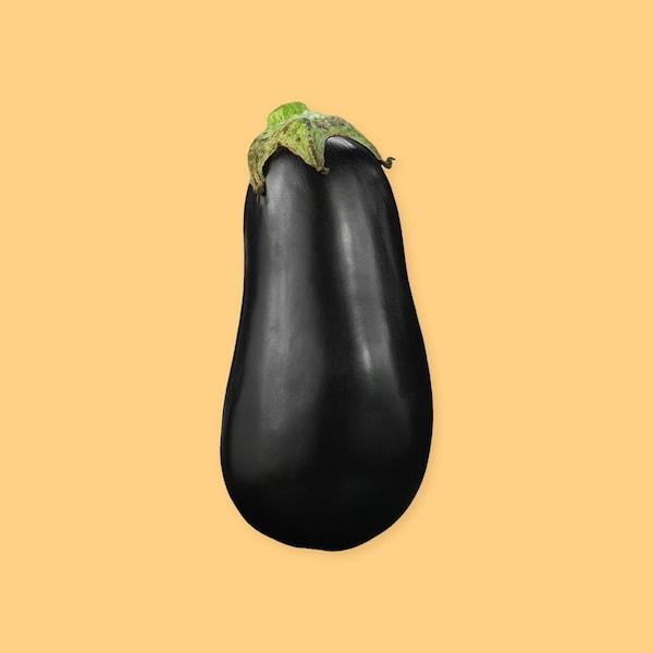 Une aubergine entière.