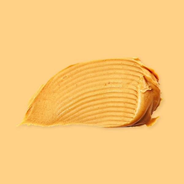 Une cuillérée de beurre d'arachides.