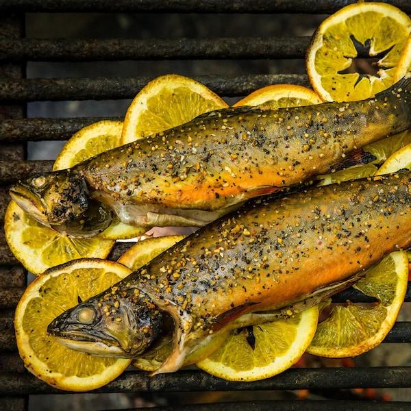 Truites à l'érable et à l'orange sur le grill.