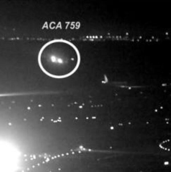Le vol 759 d'Air Canada s'oriente vers les airs à la demande du contrôleur aérien.