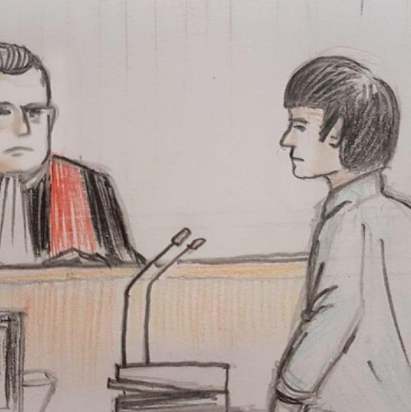 Une illustration d'Alexandre Bissonnette et du juge lors des procédures le 26 mars 2018.