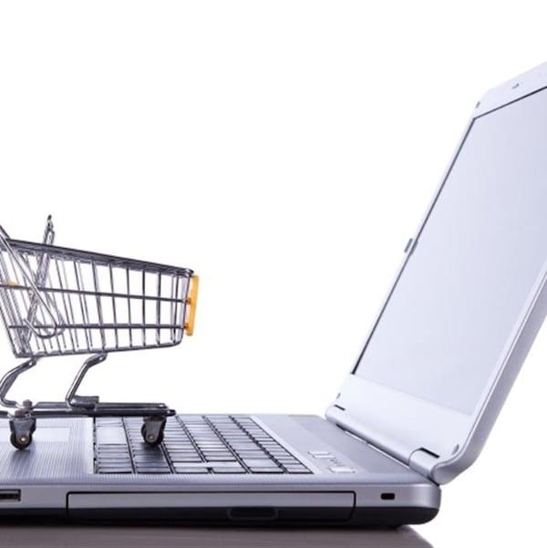 Selon Branchons les PME, les entreprises québécoises absentes du web perdent beaucoup d'argent.