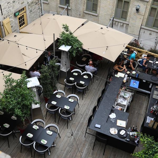 La terrasse du bistro L'Orygine parmi les plus belles terrasses à Québec.