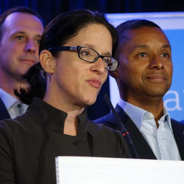 Les candidats de la CAQ Sonia Lebal et Lionel Carmant