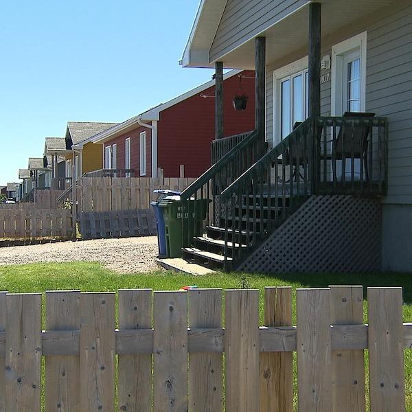 Plusieurs maisons en rangée
