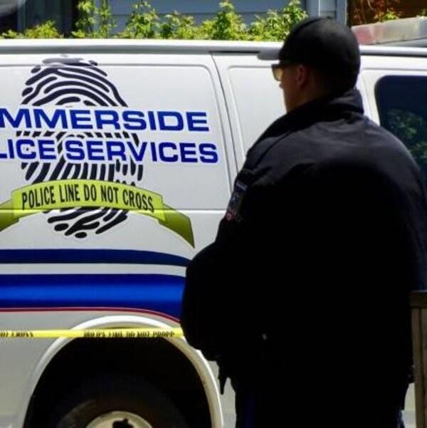 Des policiers de Summerside à l'Île-du-Prince-Édouard auraient fait feu sur un suspect avec leur arme de service.