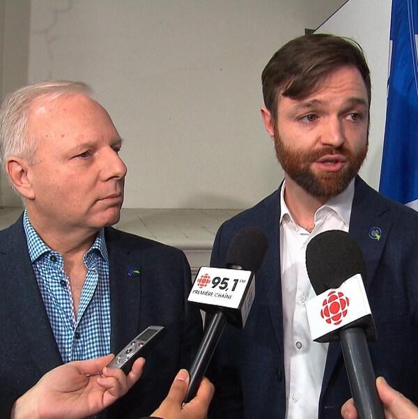 Le chef du Parti québécois, Jean-François Lisée, et le candidat Olivier Gignac.