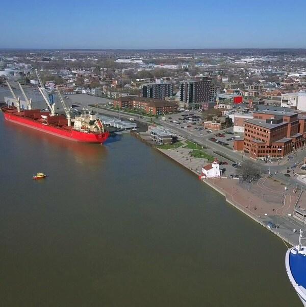Vue aérienne du port de Trois-Rivières