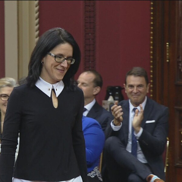 Sonia LeBel à l'Assemblée nationale debout