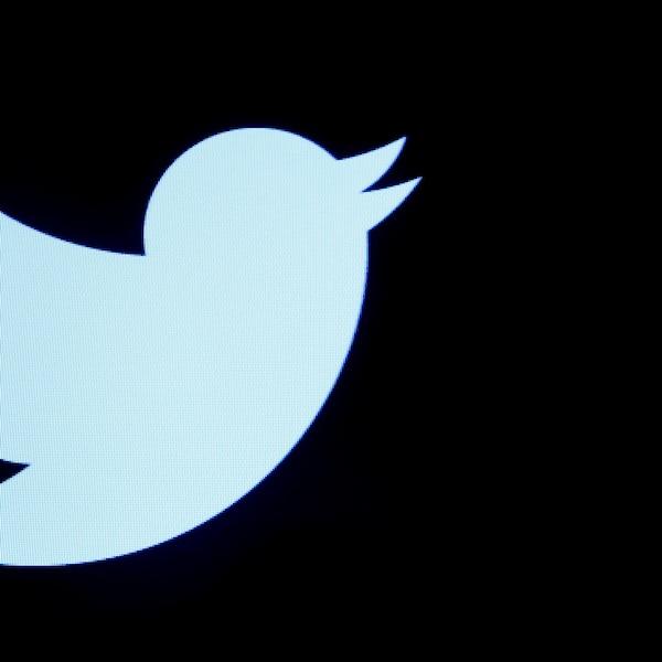 Twitter est aux prises avec un problème qui dépasse l'entreprise : les fausses nouvelles.
