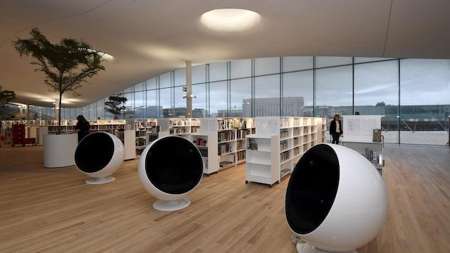 Vue d'une salle de la nouvelle bibliothèque centrale Oodi, à Helsinki, en Finlande.