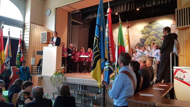 Frédéric Mairy à la tribune lors de la Fête des fanfares dans le Val-de-Travers, Canton de Neuchâtel