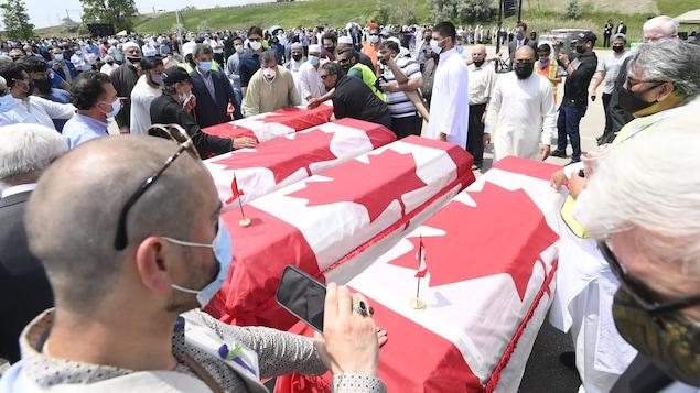 Un dernier hommage public à la famille musulmane tuée à London