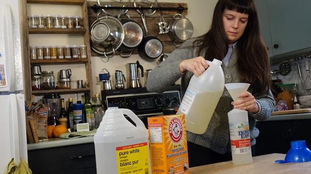 Chrissy Lorette achète la plupart de ses produits en vrac.