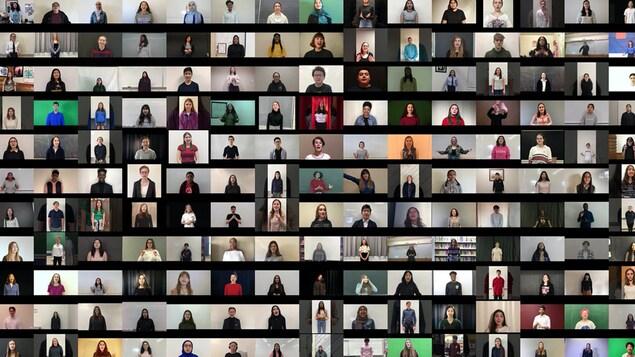 Des captures d'écran des jeunes, tous et toutes à la maison, qui récitent des poèmes.