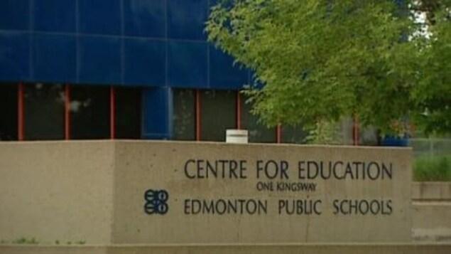 Les employés du Conseil scolaire public d'Edmonton devront être vaccinés