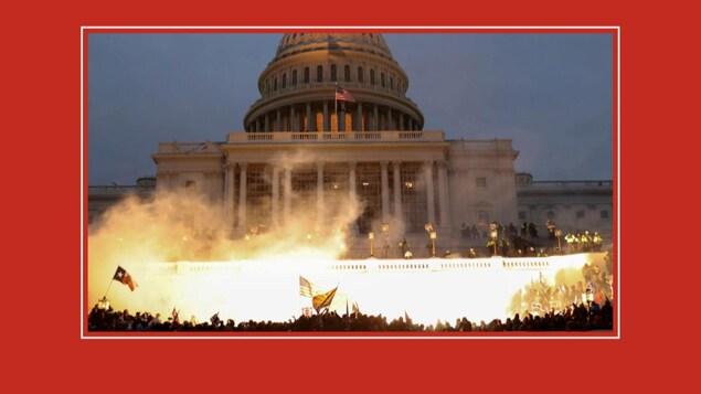 Les partisans du président Trump rassemblés devant le Capitole, à Washington