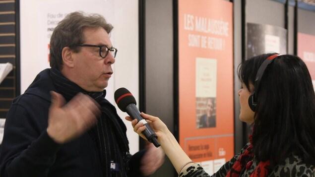 Douglas Kennedy SL va venir nous rejoindre à la scène Radio-Canada