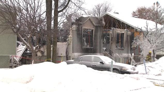 Trois bless s dans l explosion d une maison mirabel for Fenetre mirabel