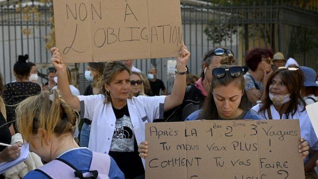 Vaccination obligatoire: la France durcit les mesures