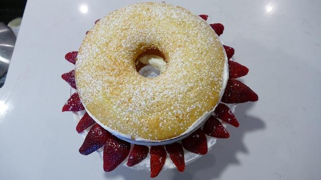 Gâteau chiffon aux fraises.