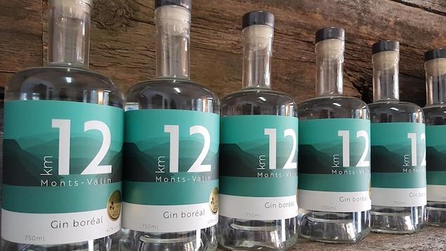 Des bouteilles de gin Km12